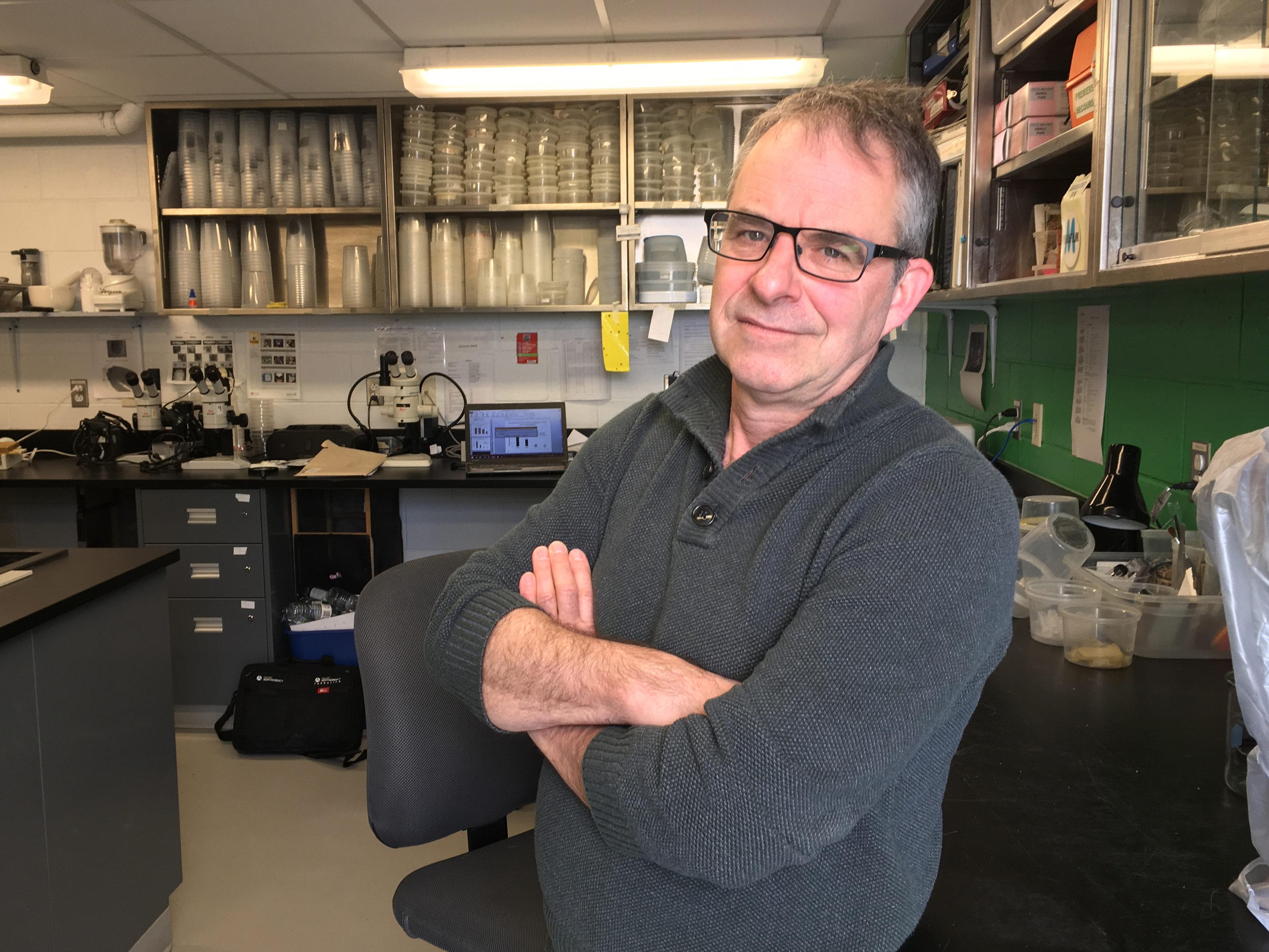 Le consortium PRISME, auquel le professeur de biologie François Fournier collabore depuis plus de 12 ans, a obtenu une reconnaissance internationale lors d'un important symposium en lutte intégrée, le International IPM Symposium.