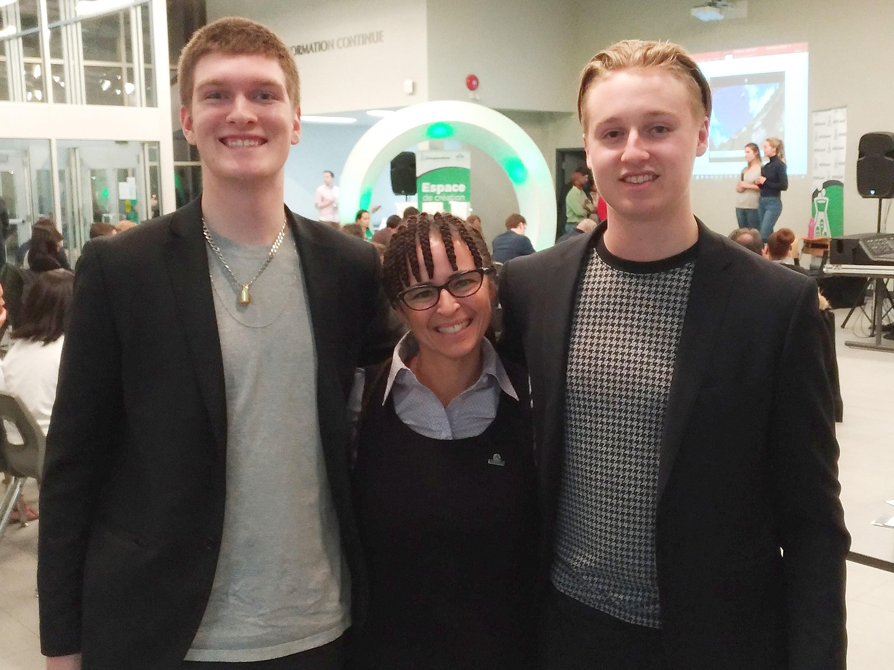 Une équipe formée de Cédric Charbonneau, Jenny Béland et Georges Khoury du Collège Montmorency ainsi que de Léo Asselin-Spark du Collège Lionel-Groulx a vu son projet de studio d'enregistrement se qualifier lors du premier Startup Weekend Laval en janvier 2018.