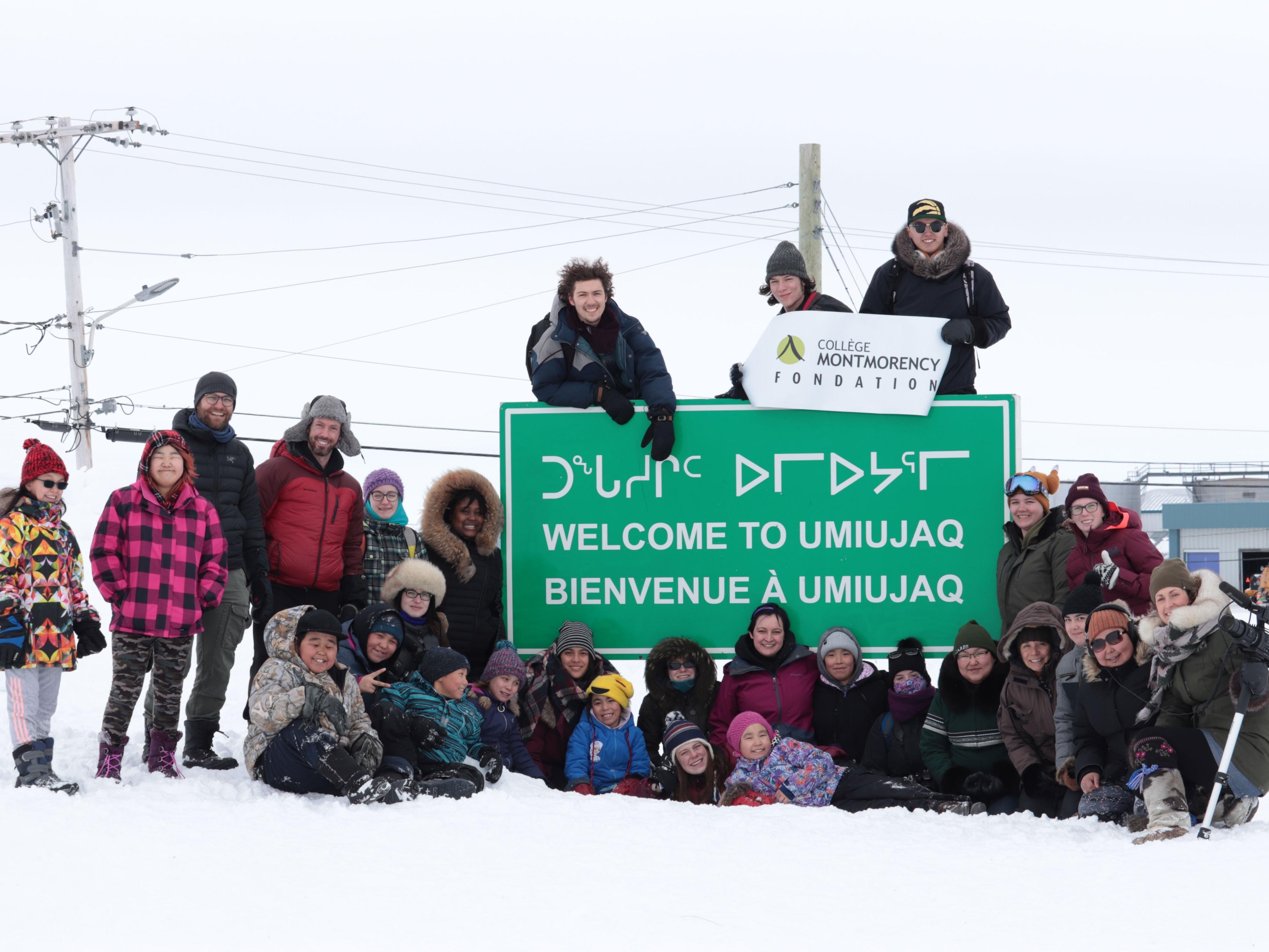 En mars, 16 étudiants se sont rendus dans le village d'Umiujaq au Nunavik pour un projet en collaboration avec la Commission scolaire Kativik. Le séjour avait différents objectifs dont le tournage de courts documentaires, l'animation de classes et du Club des petits déjeuners et la présentation du parcours vers les études postsecondaires.